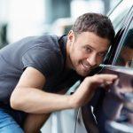 Como o motor do carro deve ser lavado