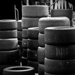 Evite usar marcas de pneus diferentes pois isso pode causar danos ao veículo